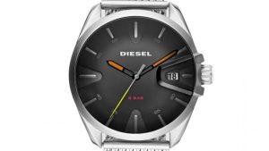 Ρολόι Diesel Ms9 DZ1897 με ασημένιο πλεκτό bracelet και μαύρο καντράν. Βρείτε το στο Ατόφιο στον Κορυδαλλό.