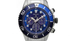 Seiko Solar PADI SSC675P1 Limited Edition με μπρασελέ και μπλε καντράν. Βρείτε το στο Ατόφιο στον Κορυδαλλό.