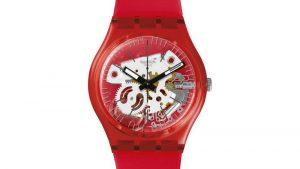 Swatch GR178 Rosso Bianco με κόκκινο λουράκι σιλικόνης και σχέδιο στο καντράν. Βρείτε το στο Ατόφιο στον Κορυδαλλό.